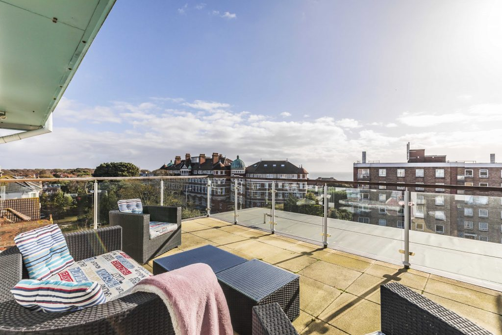 Houses for Sale in Poole